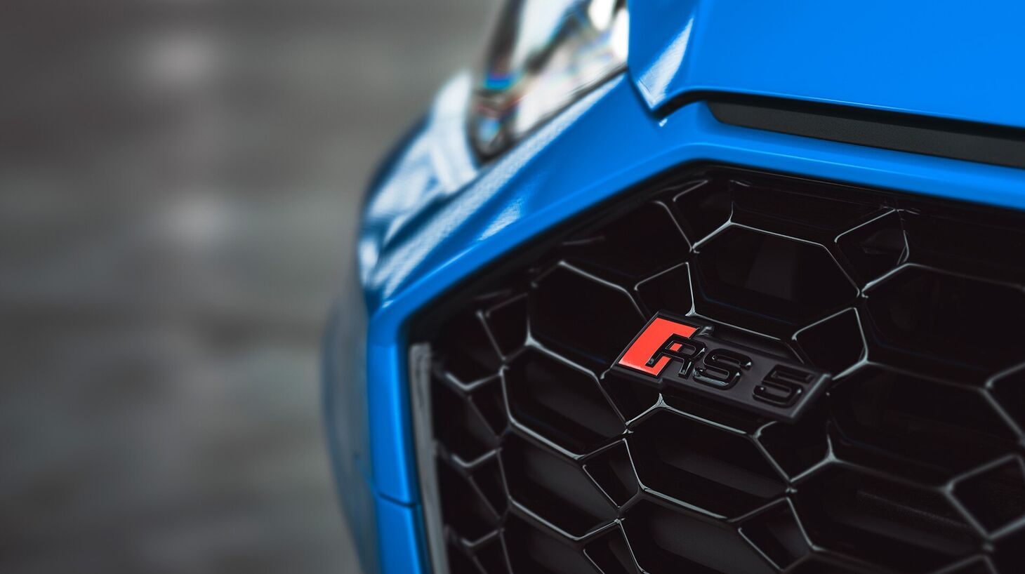RS 5 Coupé - detail na znak